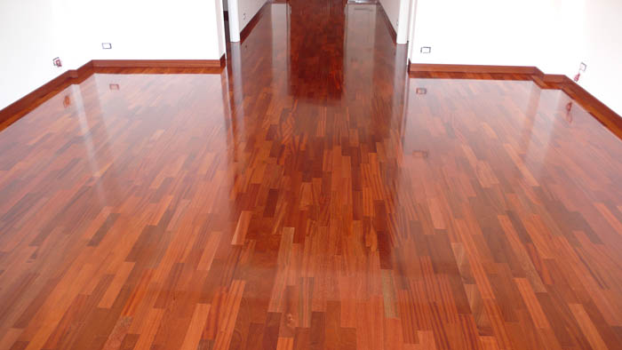 finitura pavimenti in legno villa carcina